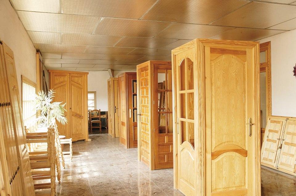 Nuestra empresa carpinteria mm carpinter - Puertas de madera clasicas ...