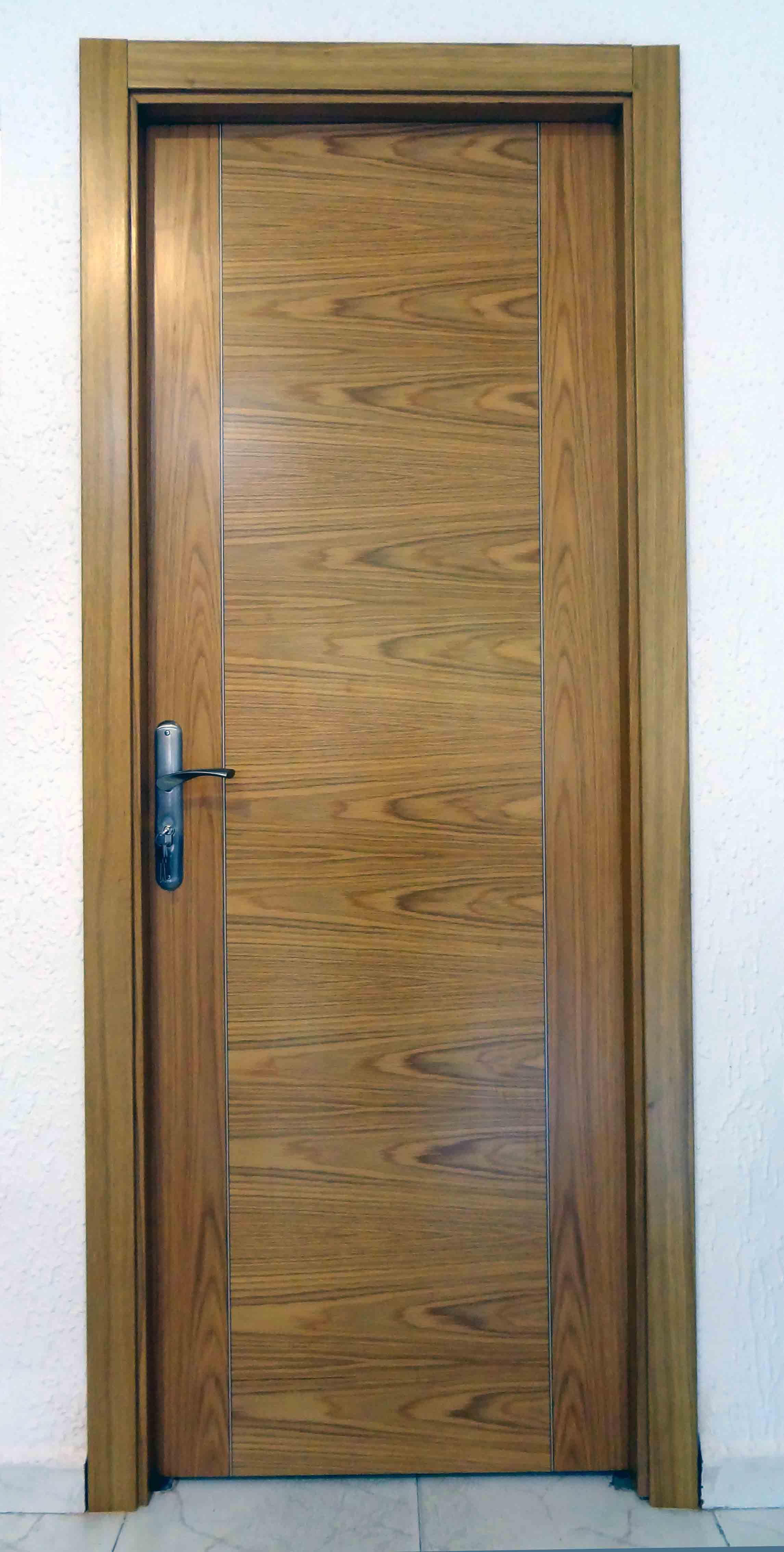 Puertas de interior roble materiales de construcci n for Precio puerta roble
