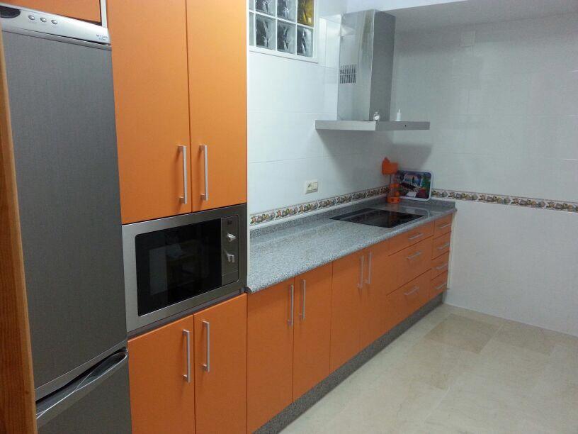 Cocinas puertas de madera ventanas de madera mm - Puertas de cocinas modernas ...