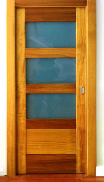 Puertas madera macizas mm for Ver modelos de puertas de madera
