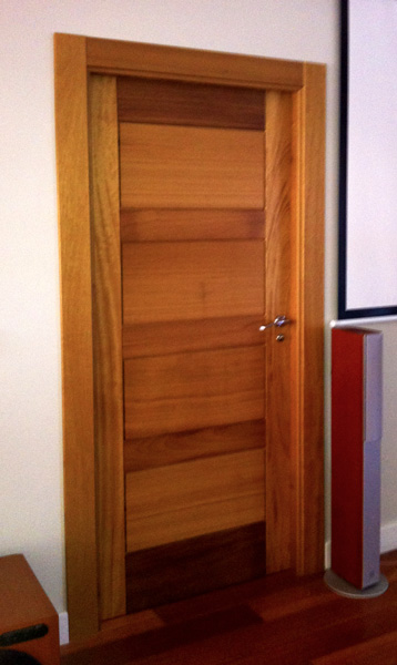 Modelo modelo puerta iroko 4 cuadros mm - Puertas macizas interior ...